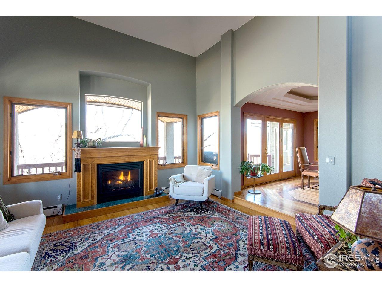 living room w/gas FP