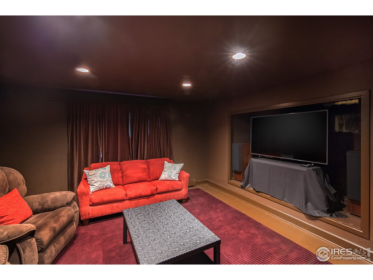 home theater room(could be a 5th bedroom too!)