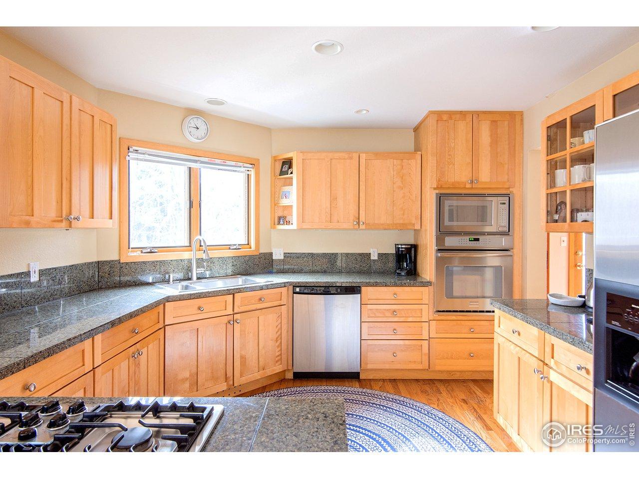 BIG kitchen area