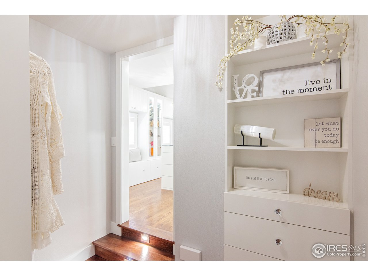 grand entry to walk in closet