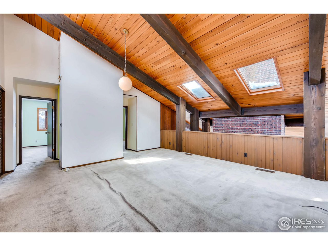 Upstairs Loft with Beams and Vaults