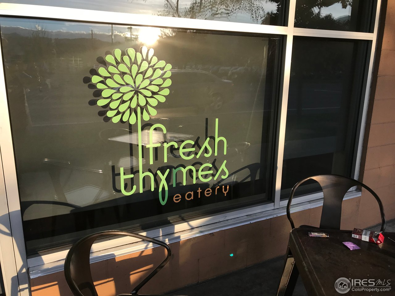 Great Cafe in the hood!