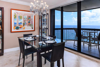DINING AREA BY OCEAN