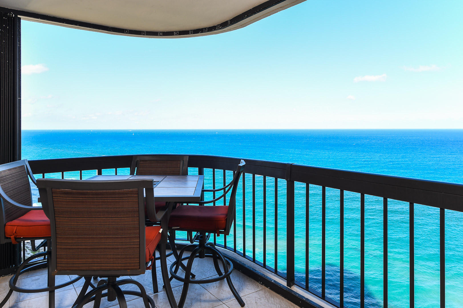 DIRECT OCEAN  BALCONY SEATING