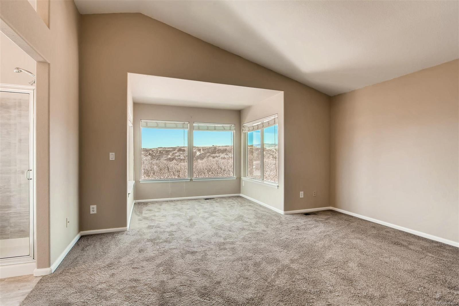 Master Bedroom Sitting Area (Upper Level)