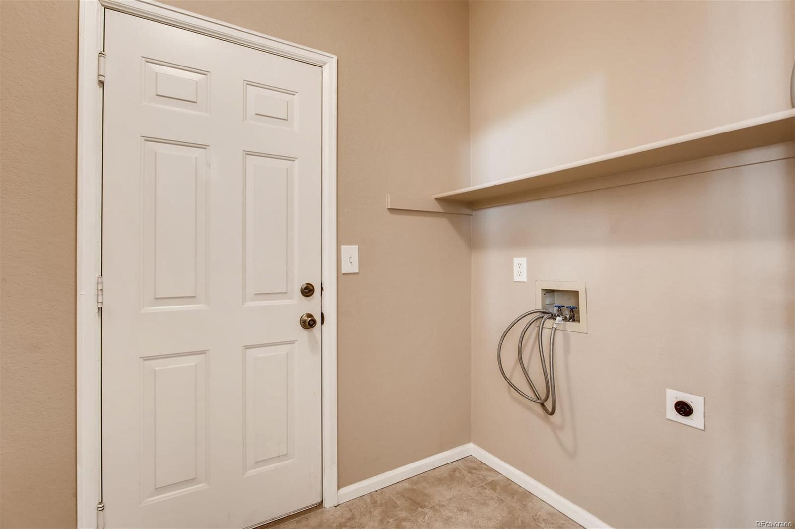Washer/Dryer area (Main Floor)