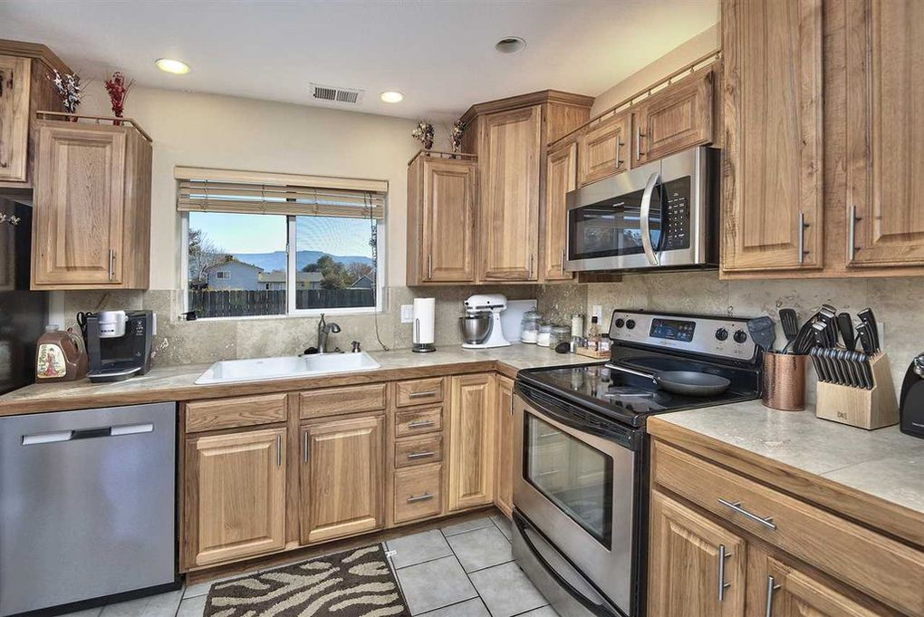 Functional layout with stainless appliances