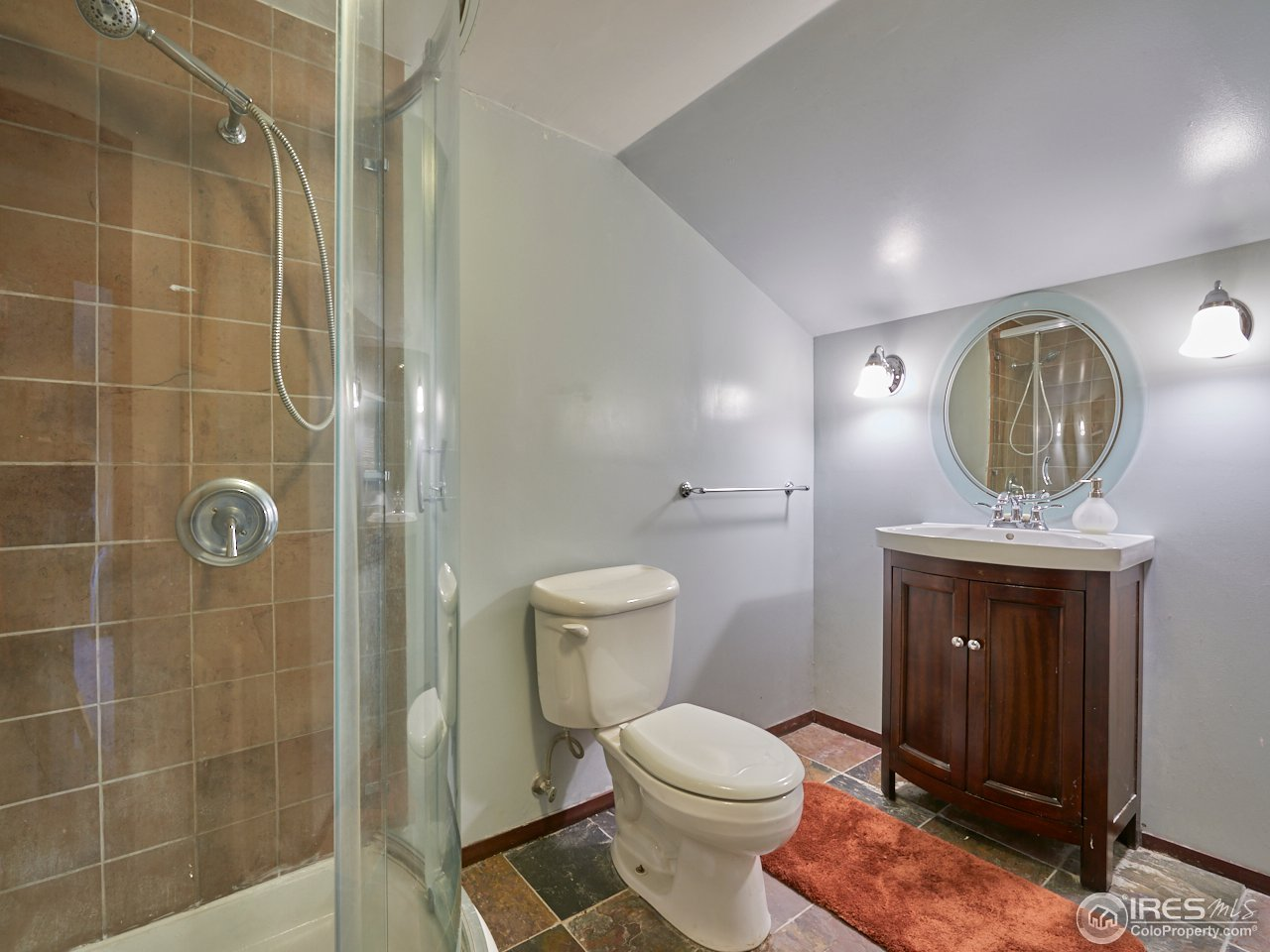 Upper level 3/4 bathroom