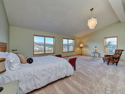 Upper level MB w/ lake & mountain views