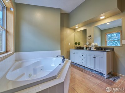 5 piece luxury master bathroom