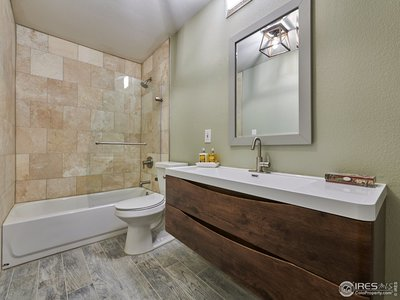 Lower level full bathroom