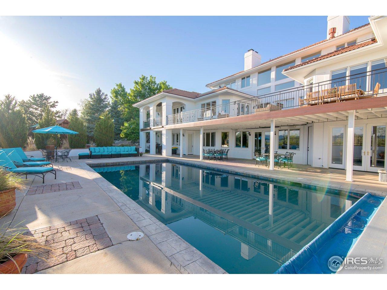 Gorgeous pool w/views!