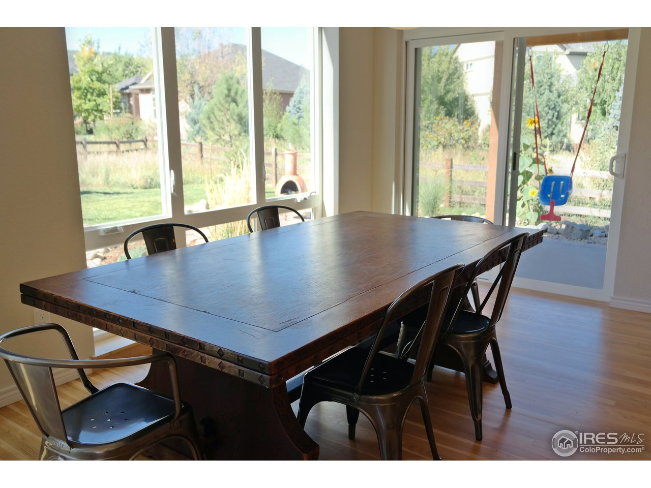Spacious & Open Dining Area