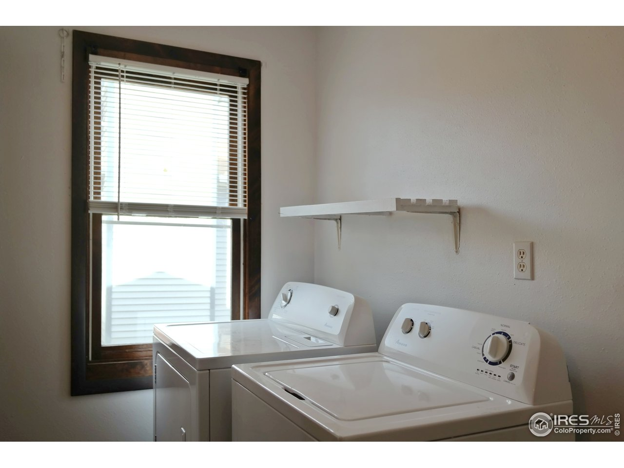 Bright Laundry Area w/Nice Window for Light