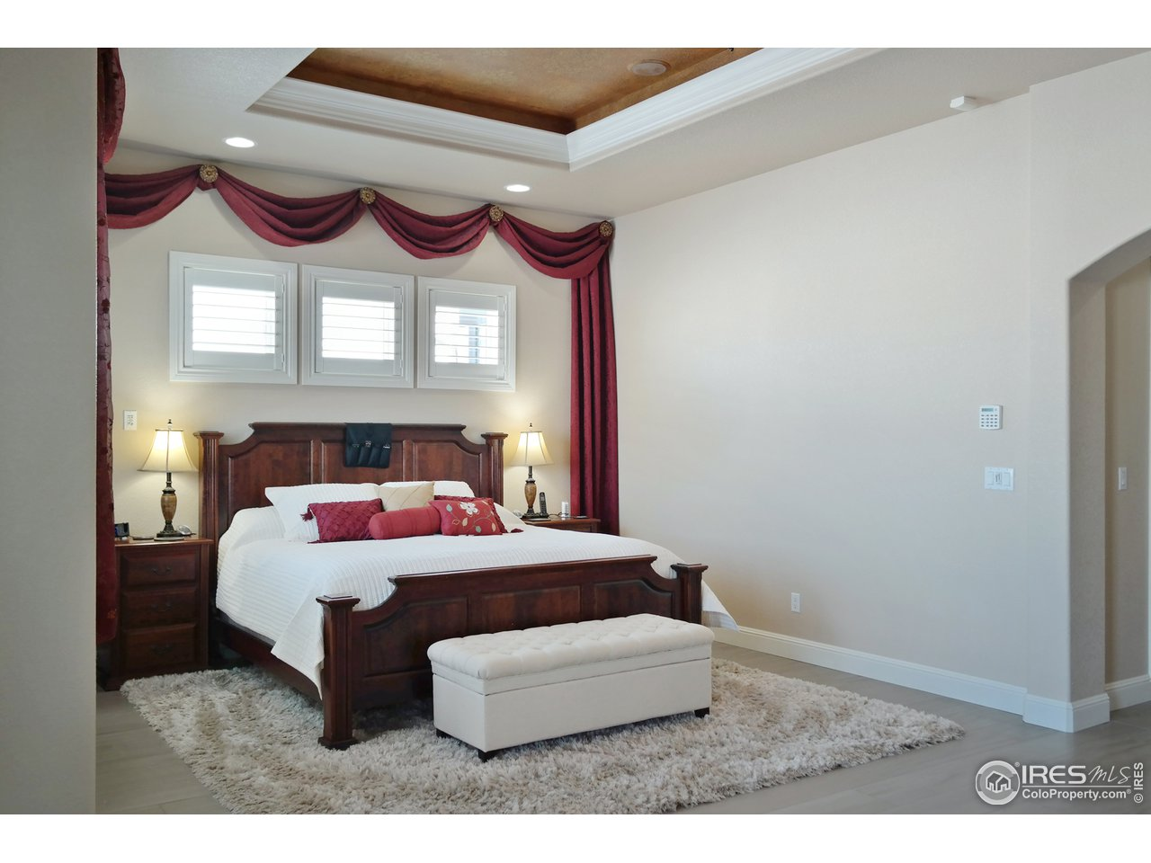 Peaceful Master Suite w/Custom Tray Ceiling