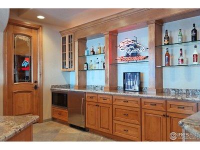 Custom Cabinets, Shelves, Granite & Appliances