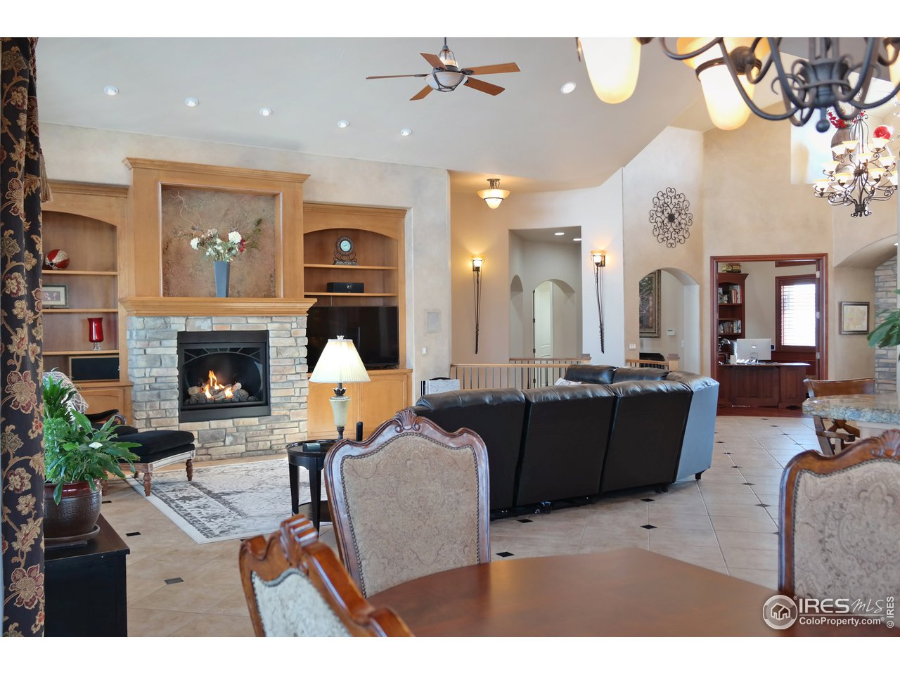 Spacious Great Room w/Stone Fireplace