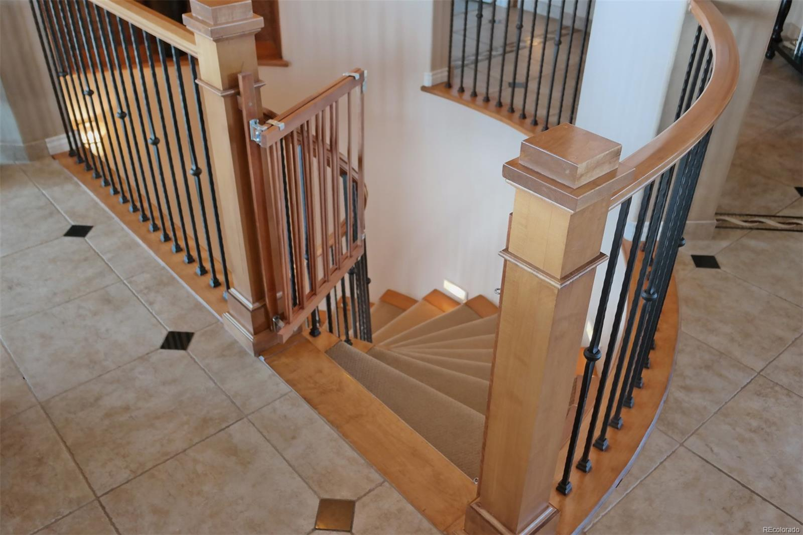 Attractive Spiral Staircase to Lower Level