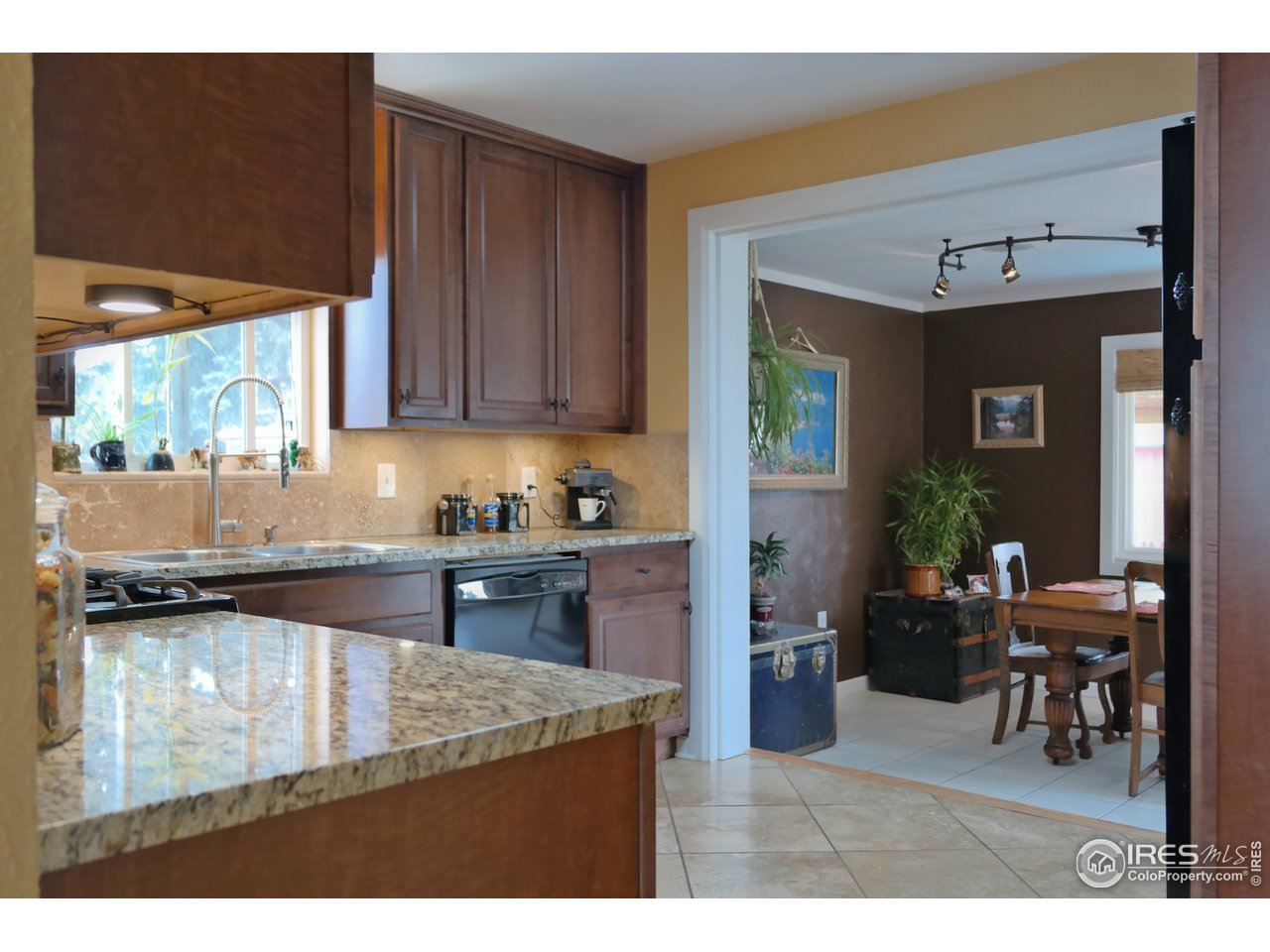 Perfectly Updated Kitchen w/Custom Finishes