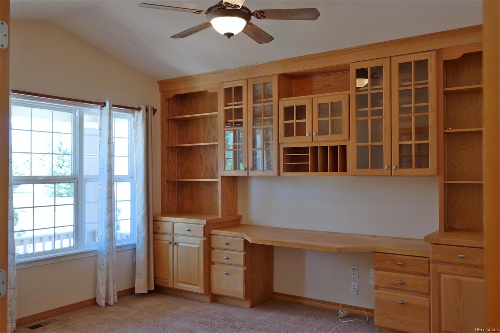 Attractive & Functional Built-Ins in Study