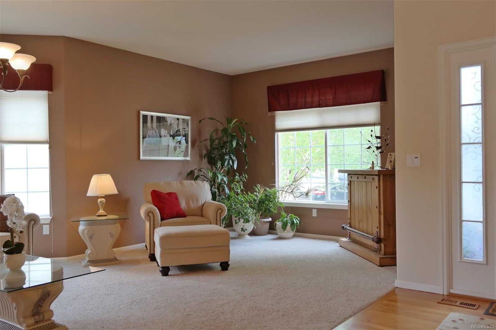 Cozy Living/Dining Room