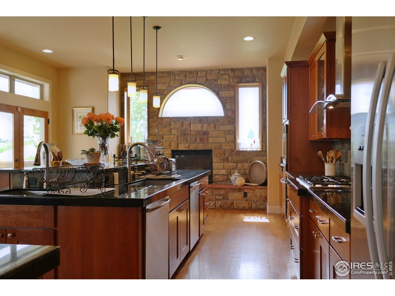 Sunny Kitchen w/Substantial Double Island