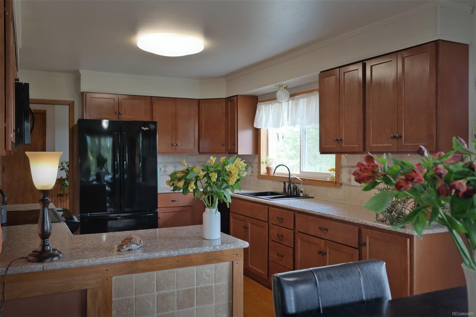 Well Designed Kitchen w/New R/O, D/W, M/O