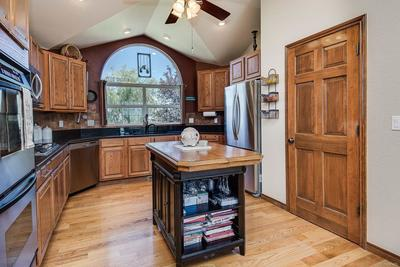 kitchen with vaulted ceilings