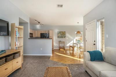 Contemporary floorplan - perfect for entertaining!