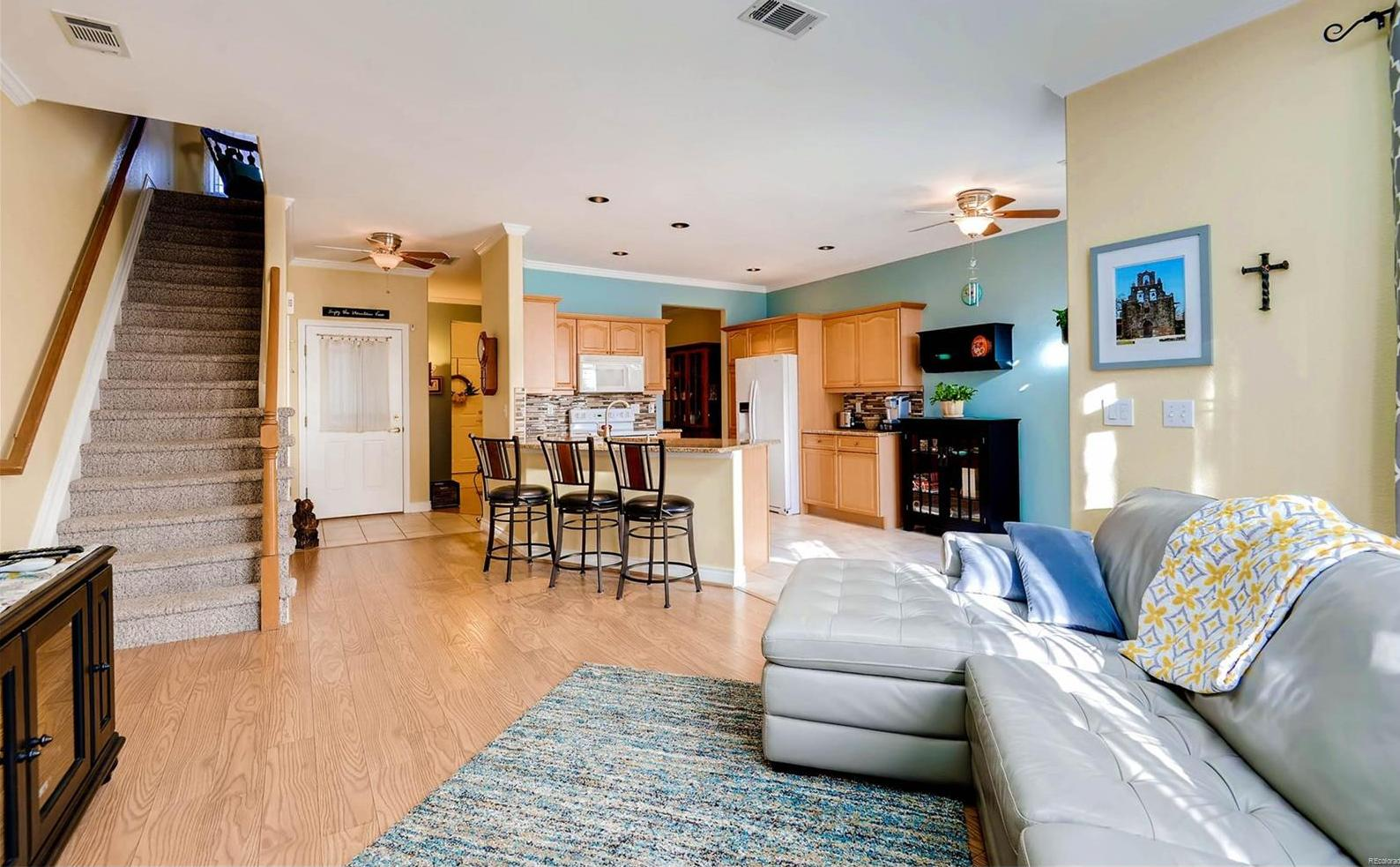 Open and bright floor plan.