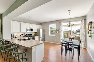 Open Kitchen Great for entertaining