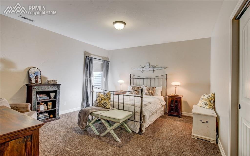 2nd spacious basement bedroom
