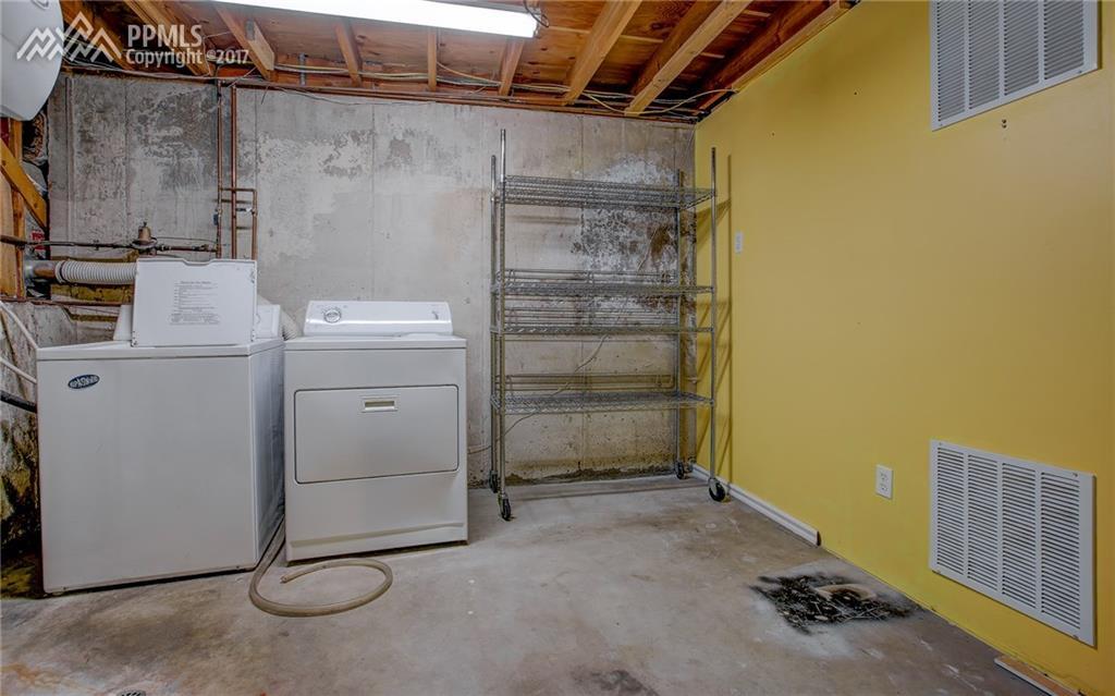 Large Laundry Space, Basement
