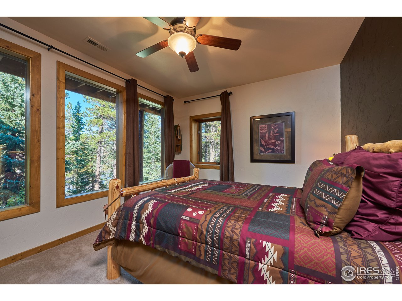 Second guest bedroom with lake views