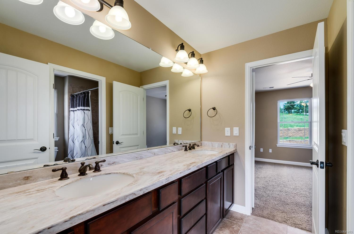 Upper Level Bath with Dual Sinks