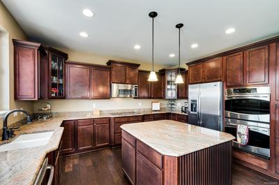 Upgraded Stainless Steel Appliances with Center Island
