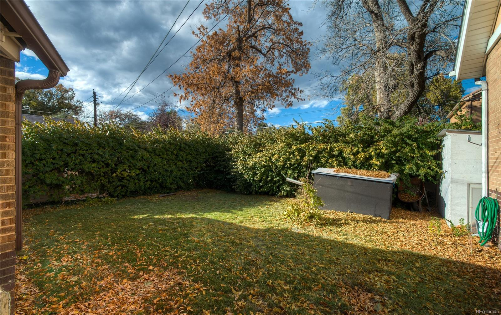 Backyard is perfect for outdoor activities on warm days!