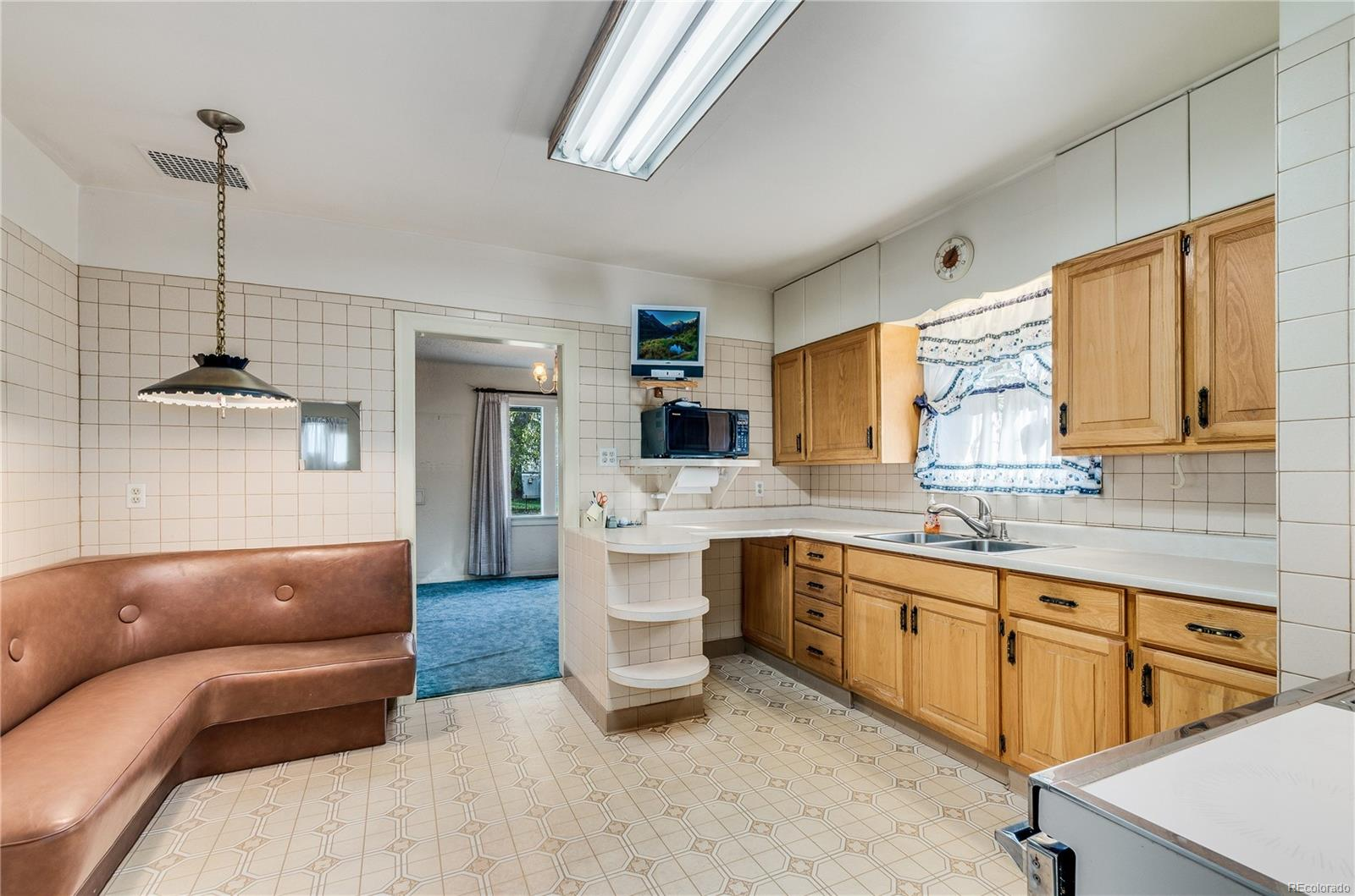 Large kitchen waiting for your personal touches!