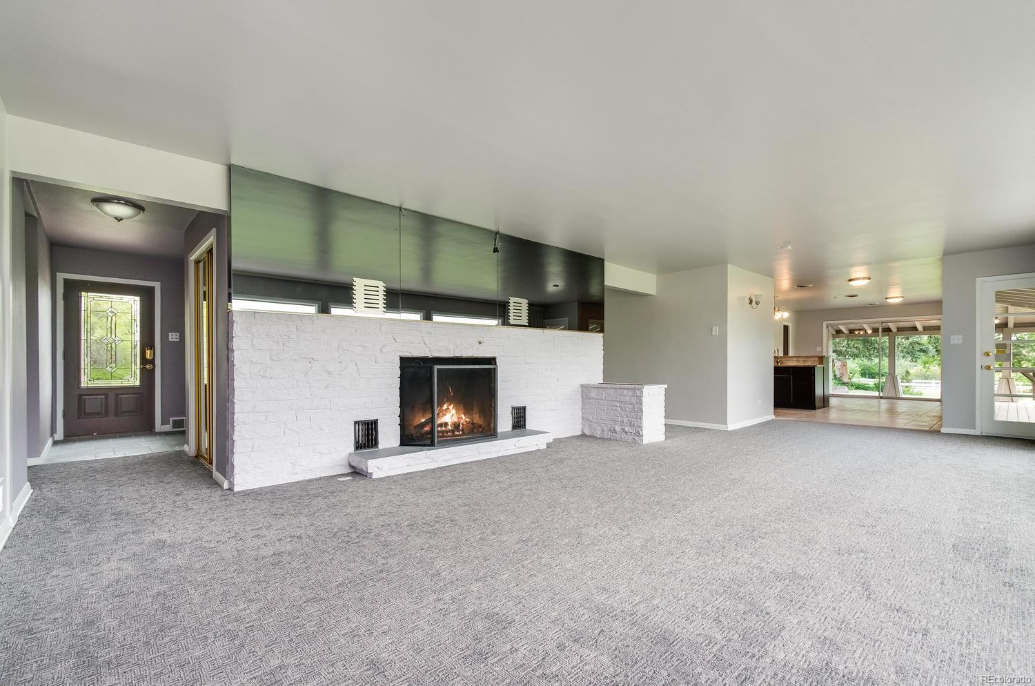 Open Floor Plan is Perfect for Entertaining!