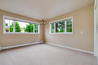4th Bedroom w/ Large Windows