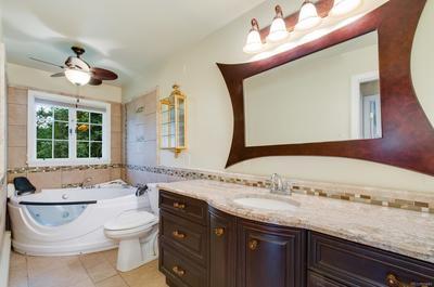 Remodeled Upper Level Bath