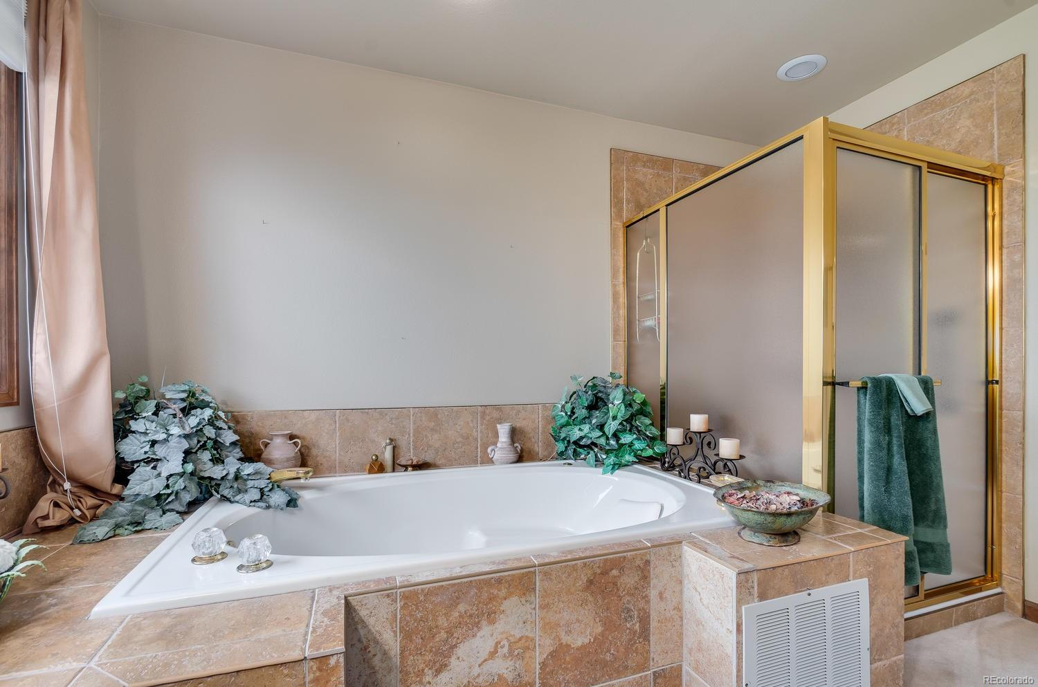 Jet action tub and walk-in shower make this the perfect place to relax!