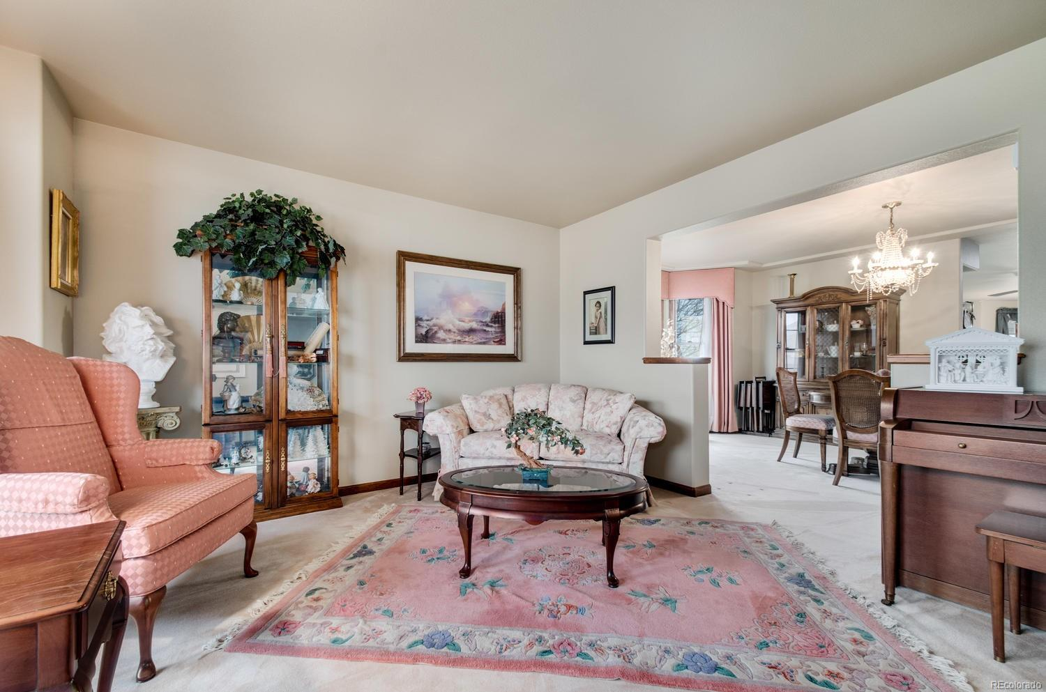 Flow between the formal living and dining rooms easily thanks to the open concept!