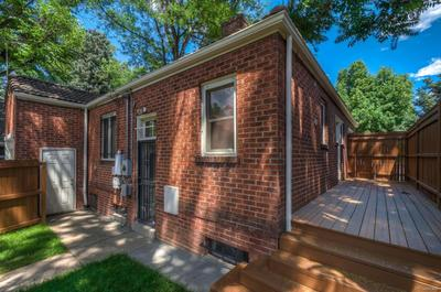 Great Location! Easy access to Cherry Creek Mall & City Park!