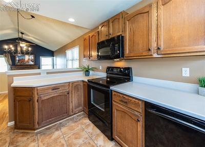 Lots of cabinet and counter top space