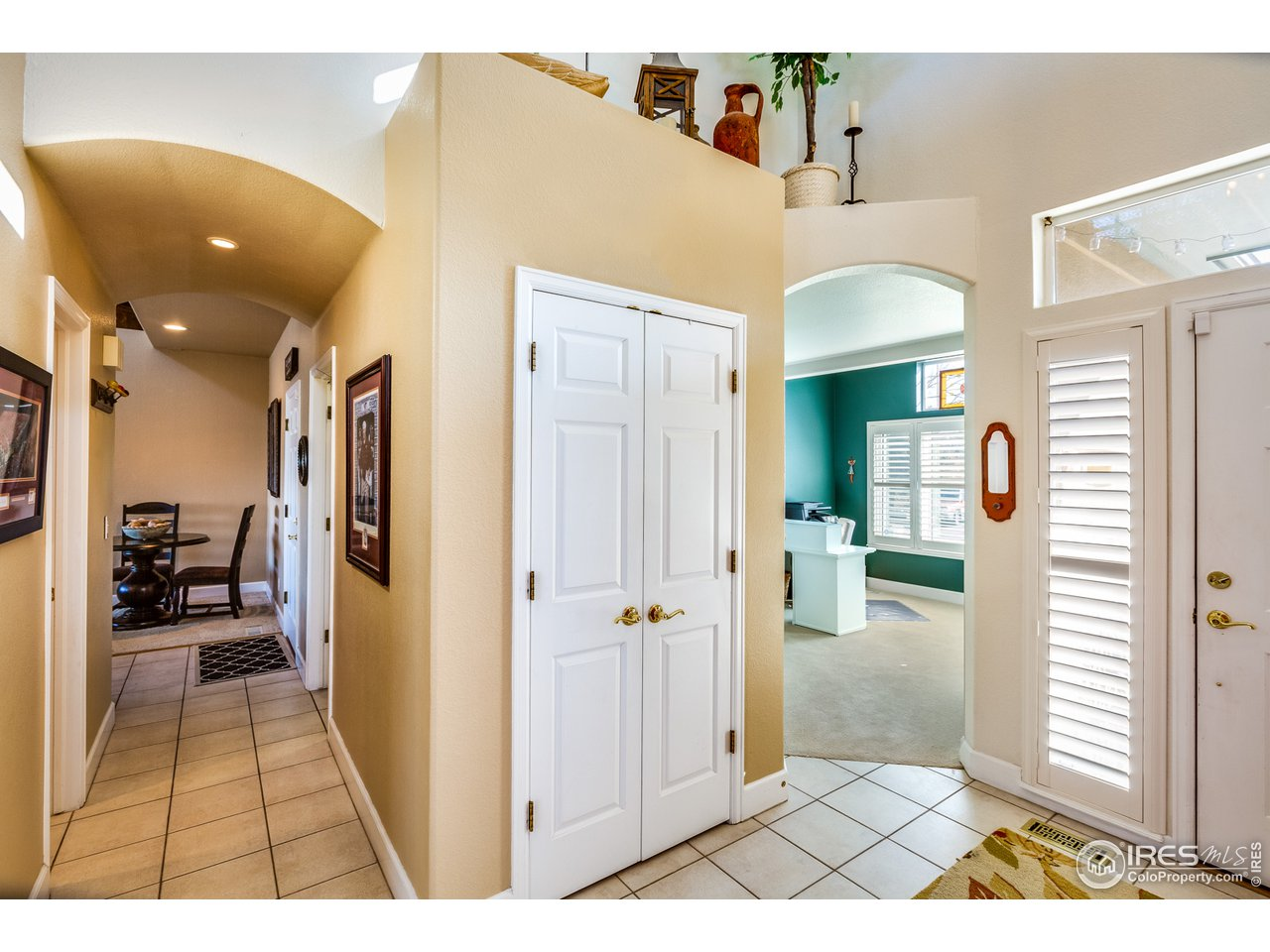 Welcome Home - Foyer