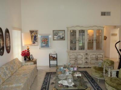 Livnin Room