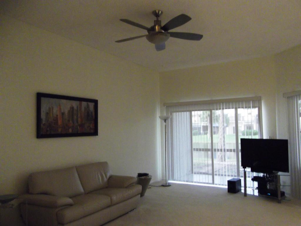 5495 Monterey Cir Delray Beach Fl Living