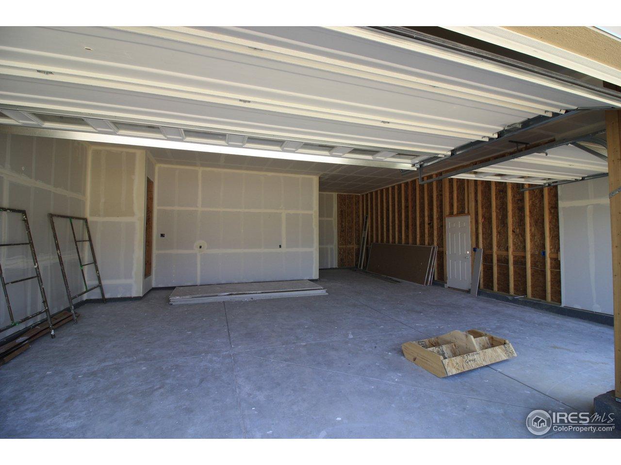 Garage 3-car