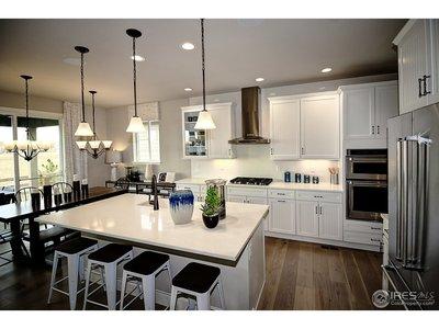 Luxurious island kitchen